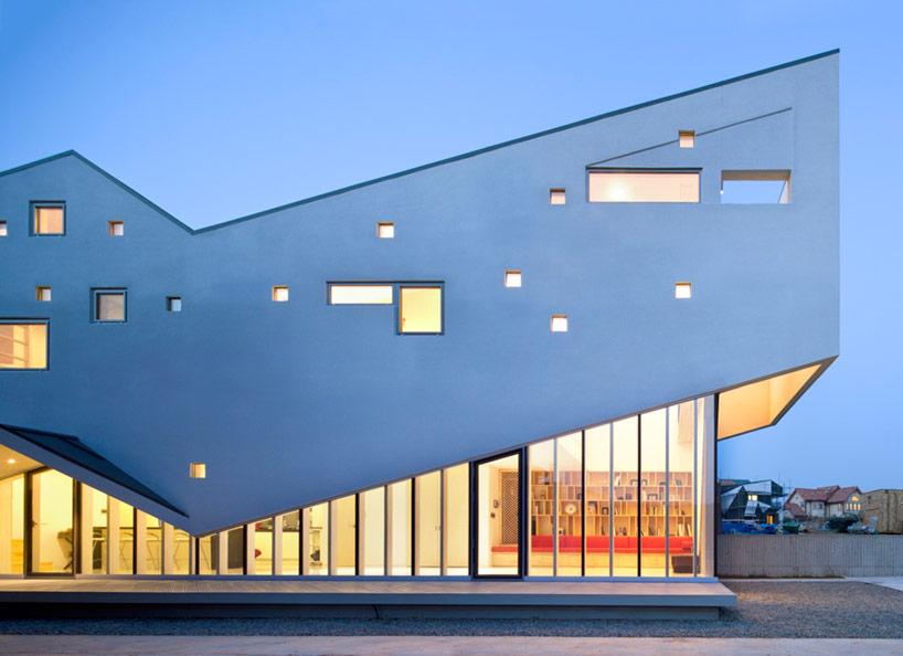 budynek nowoczesny