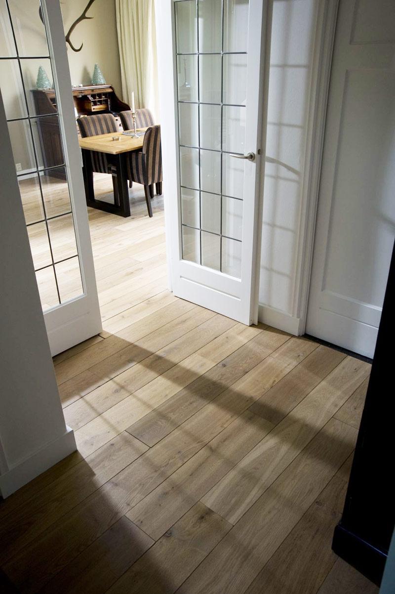 jak wybrać drewnianą podłogę