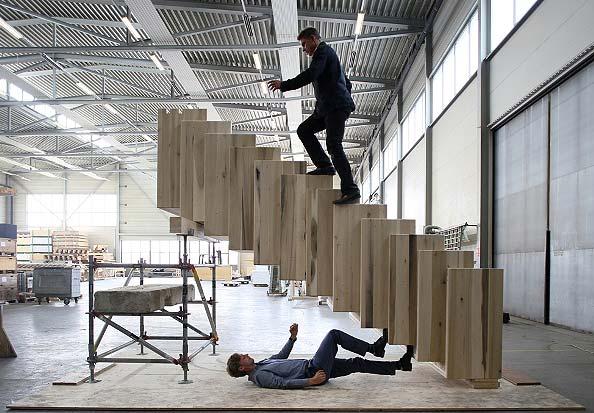surrealistyczna konstrukcja