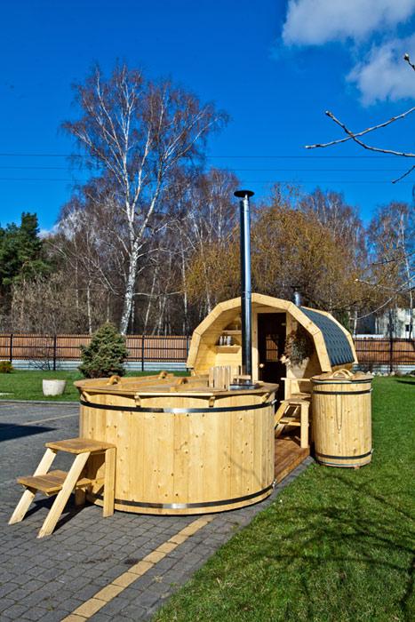 sauna w ogrodzie