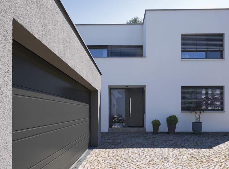 Hörmann poszerza paletę wzorów bram i drzwi