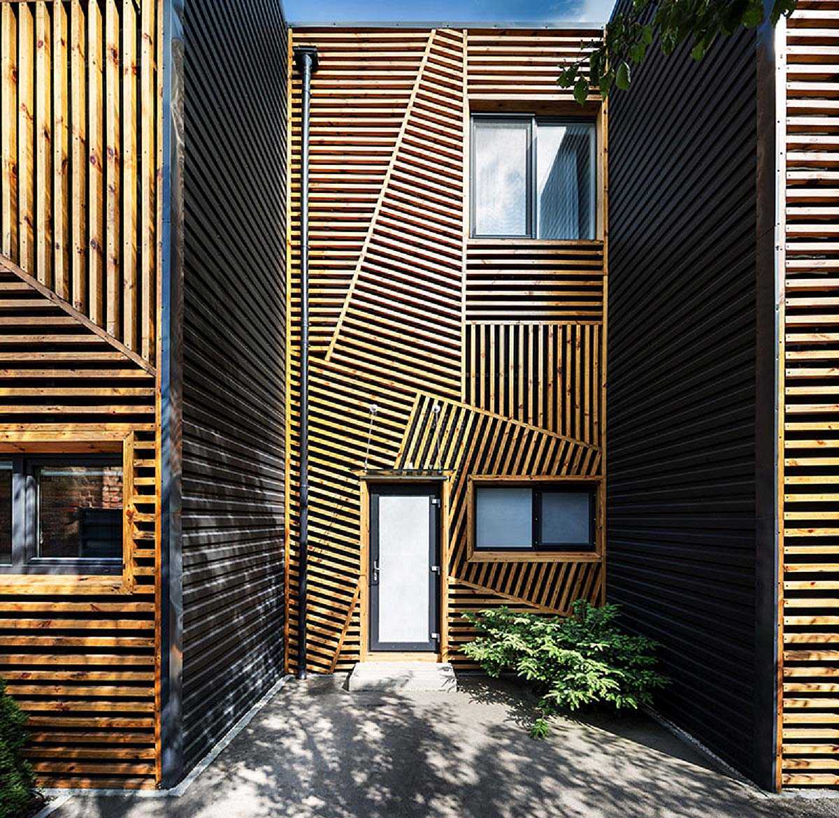 drewniana elewacja
