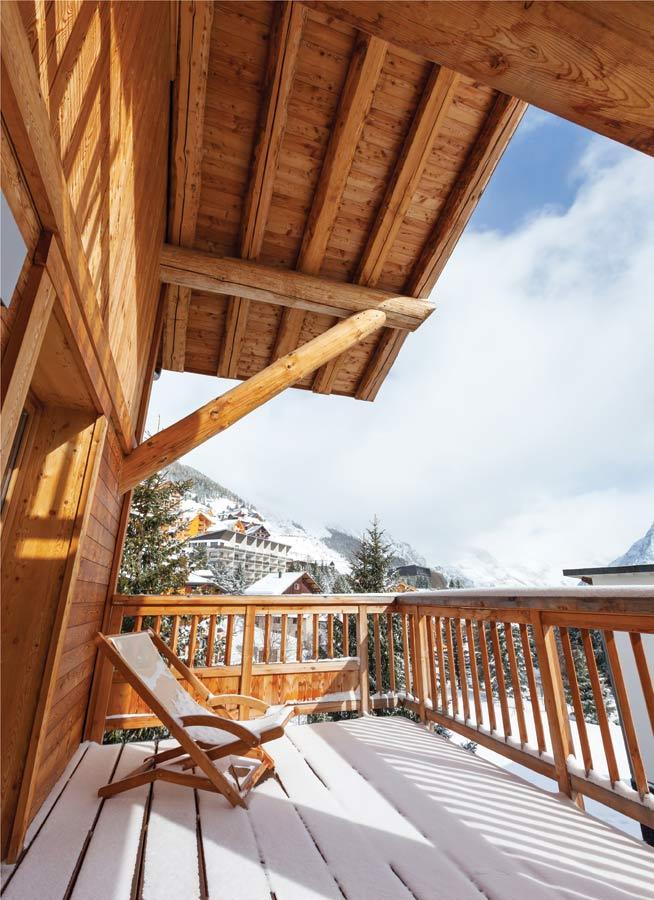 Zabezpieczenie drewnianej architektury ogrodowej przed okresem jesienno-zimowym