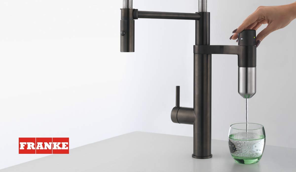 Filtrowana woda i funkcje w bateriach kuchennych - zapraszamy na WEBINAR Franke!
